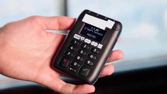69bdc6c8e65 Consumenten kunnen zich beschermen via een speciaal hoesje, door  contactloos betalen uit te schakelen of een betaalpas zonder deze functie  bij de bank aan ...